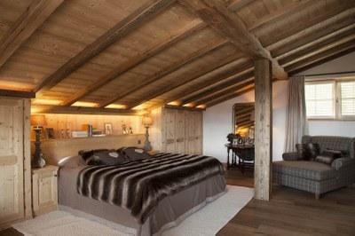 Armoire de chambre à coucher en bois