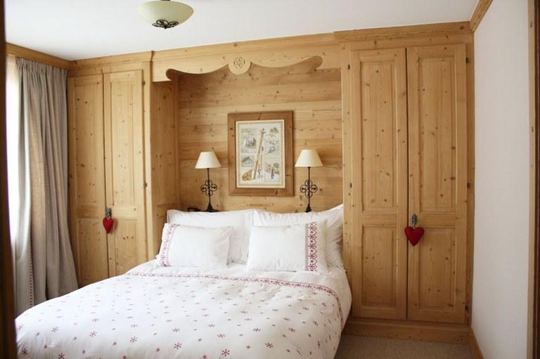 Chambre à coucher en sapin étuvé brossé