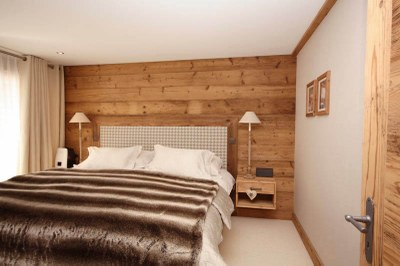 Chambre à coucher en vieux bois