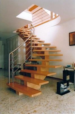 Escalier avec main courante en inox