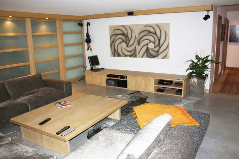 Meuble TV et table en chêne