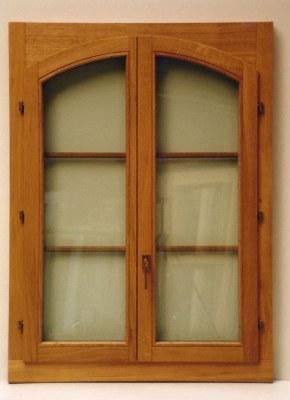 Fenêtre bois chêne teinté