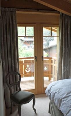 Fenêtre bois sapin étuvé brossé