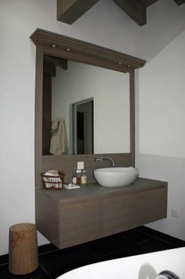Meuble salle de bain en chêne brossé teinté