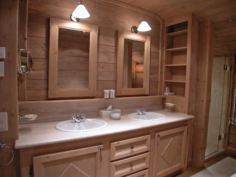 Meuble salle de bain en sapin étuvé brossé
