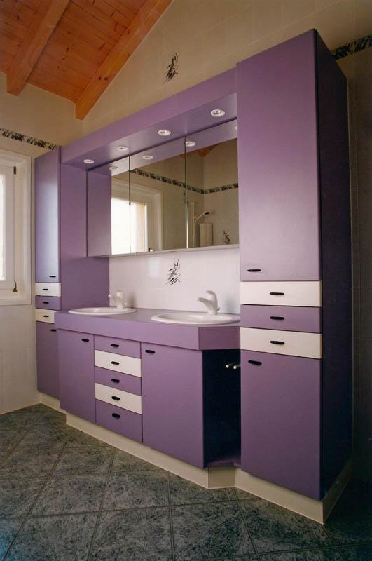 Meuble salle de bain en stratifié