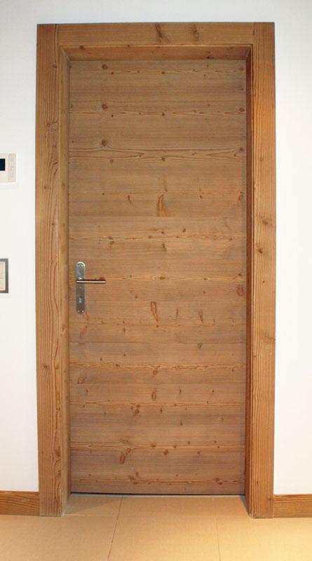 Porte bois en sapin étuvé brossé